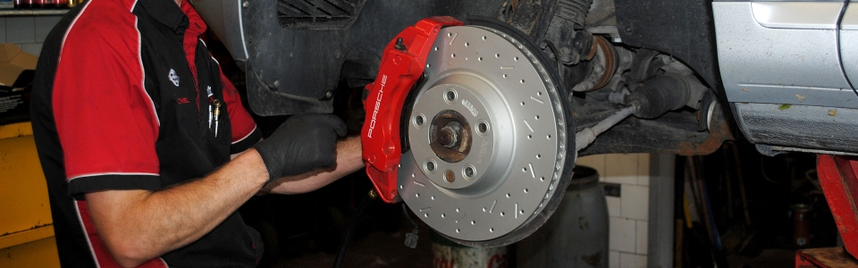 No matter why you come to Garage Michel Petr, we make sure that your brakes are in good condition for your security.
